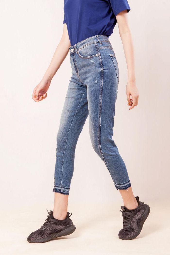 Nếu bạn muốn tìm địa chỉ chuyên về shop quần Jeans nữ chất lượng cao tại Đà Nẵng thì nhất định phải tham khảo địa chỉ PT2000