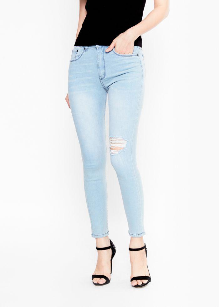 Jean Shop là một địa chỉ chuyên phân phối sỉ và lẻ các mặt hàng thời trang như quần jeans, áo thun
