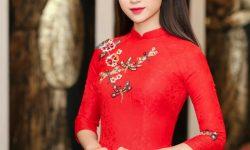 Một trong 8 phong cách áo dài cách tân đang được ưa chuộng hiện nay đó mẫu áo dài thêu hoa nổi