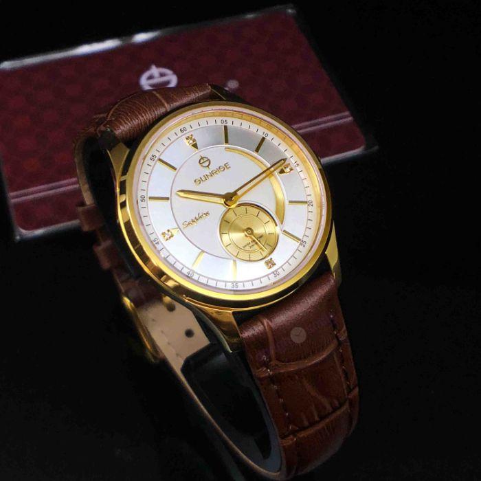 Đồng hồ Tân Tân là một điểm đến quen thuộc của những người yêu thích đồng hồ tại thành phố Hồ Chí Minh