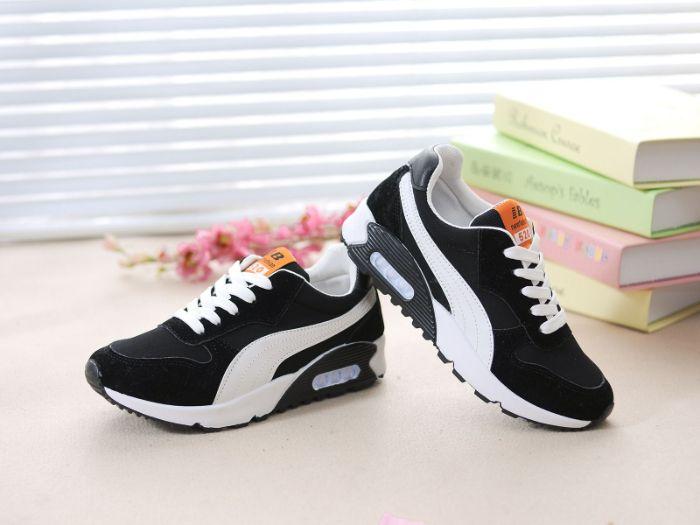 Shop giày thể thao này có được chỗ đứng vững chắc trong lòng người tiêu dùng
