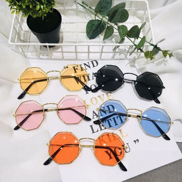 Shop mắt kính Nam Quang chuyên kinh doanh những mặt hàng như mắt kính, gọng kính cận và thời trang…