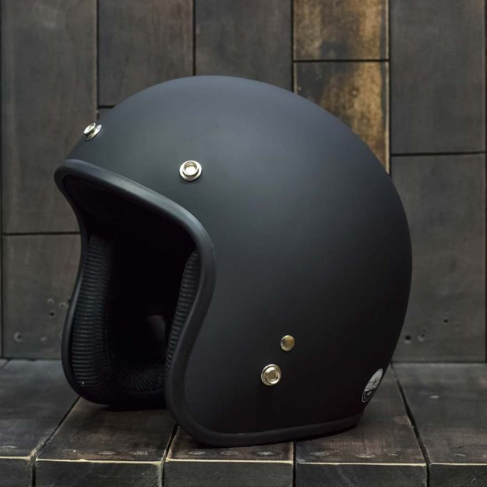Nếu như bạn đang có nhu cầu muốn sở hữu một chiếc mũ bảo hiểm chính hãng tại thành phố Hồ Chí Minh