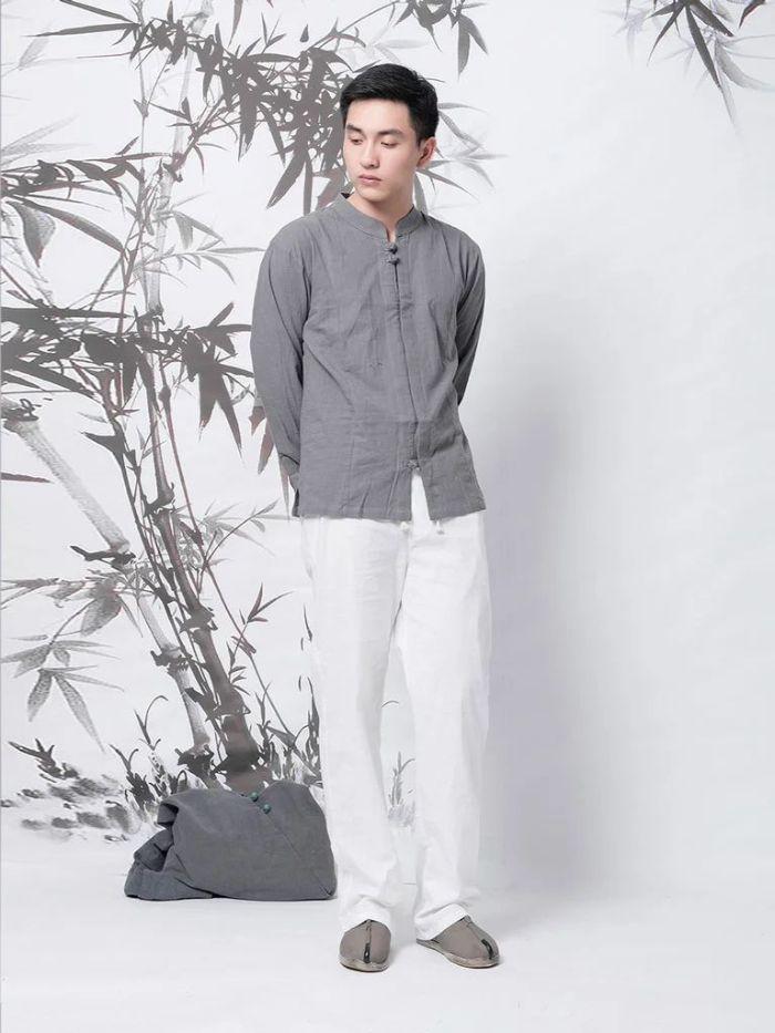 Fashion là một trong những shop bán quần áo vải đũi được ưa chuộng của giới trẻ Sài Thành