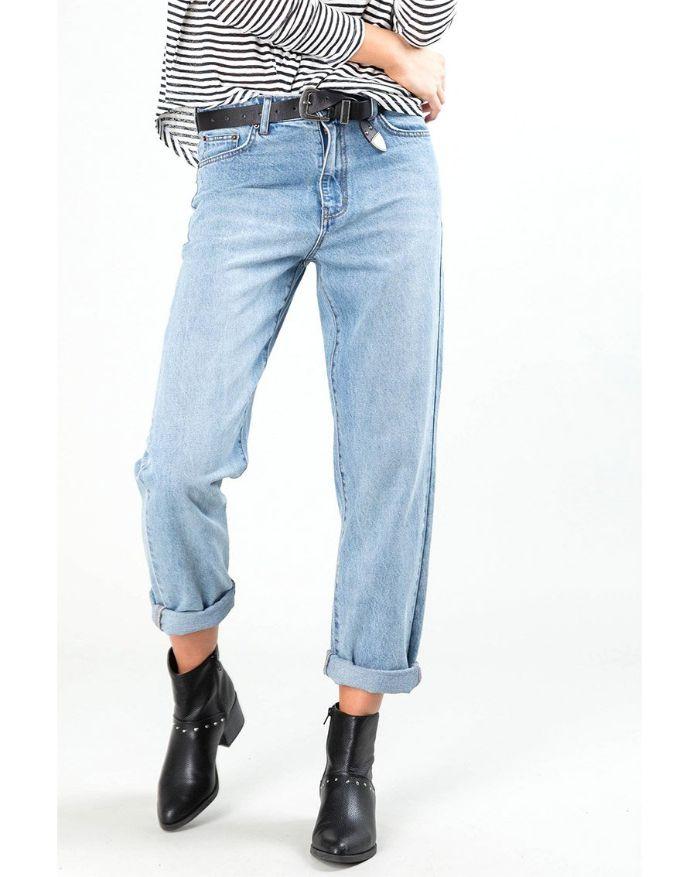 Đứng đầu trong top 8 kiểu quần bất tử đó chính là Jean boyfriend