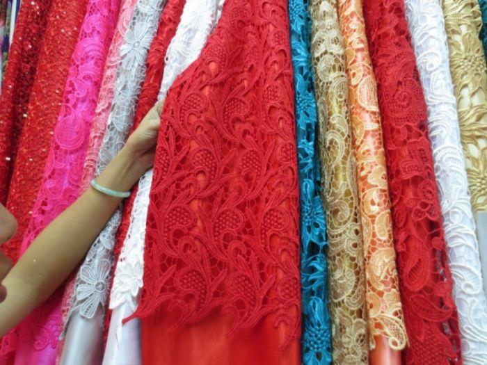 Vải ren chính là một trong 8 loại vải thông dụng được các cô gái đặc biệt yêu thích bởi sự tinh tế