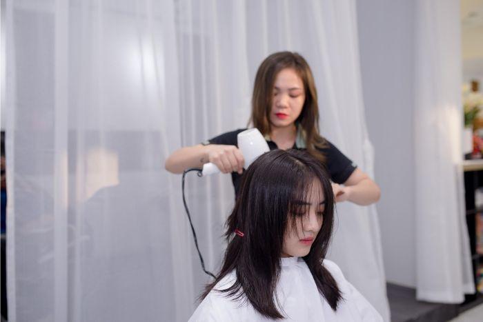 Khi nhắc đến các salon làm tóc nổi tiếng ở xứ Đà Thành thì không thể bỏ qua Sỹ Beauty salon Spa