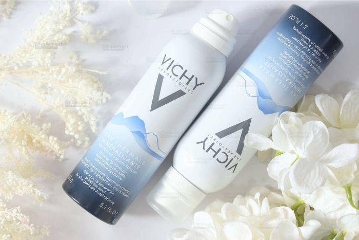 Các bạn nữ chắc không còn xa lạ gì với thương hiệu mỹ phẩm Vichy