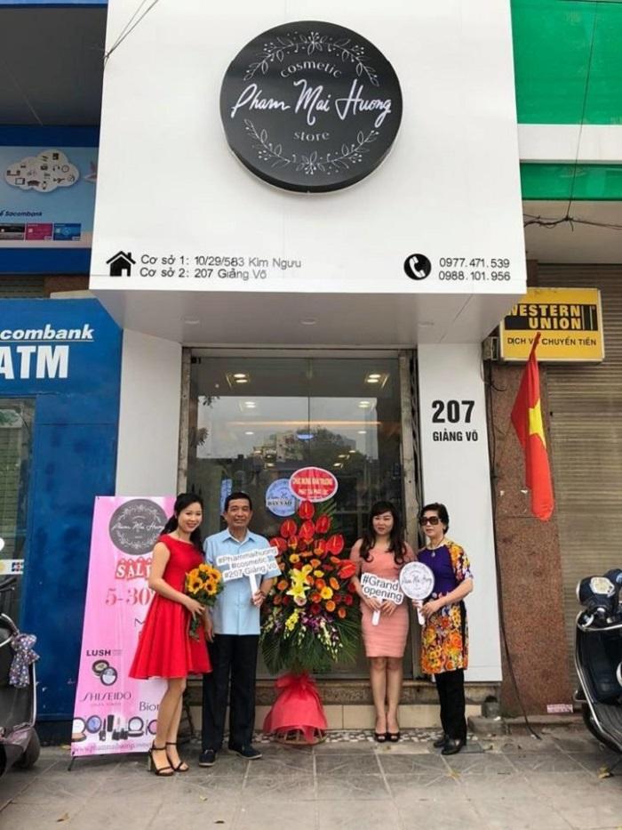 Cửa hàng Pham Mai Huong Cosmetic mới vừa khai trương vào cuối tháng 4