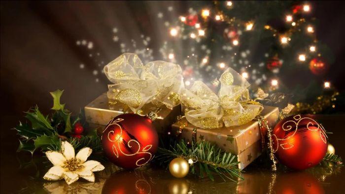 """""""Last Christmas"""" khơi gợi những kỷ niệm cũ trong mỗi con người nhưng sau đó lại kéo chúng ta trở về thực tại của một mùa Giáng sinh"""