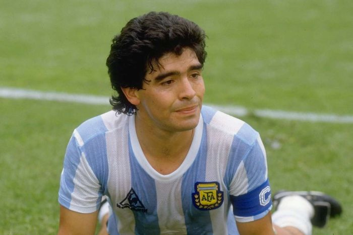 Huyền thoại Maradona