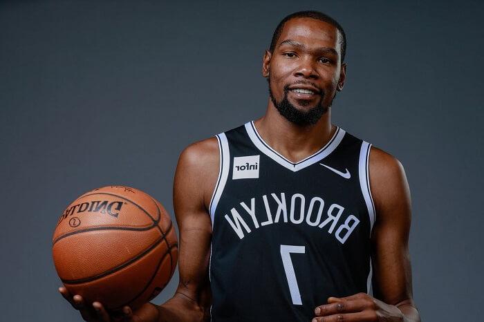 Cầu thủ bóng rổ nổi tiếng – Durant