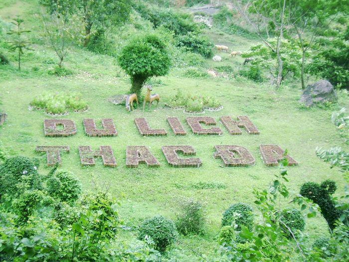 Khu du lịch sinh thái Thác Đa nằm ở thôn Mường Cháu, huyện Ba Vì