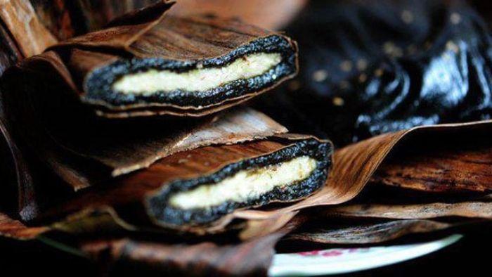 Bánh gai Tứ Trụ hay bánh gai làng Mía là loại bánh đặc sản của làng Mía, xã Thọ Diên, huyện Thọ Xuân