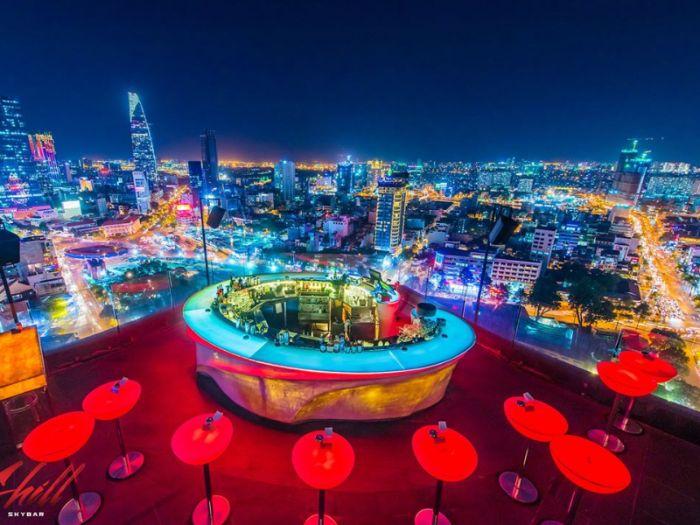 Một trong 8 quán Bar tại TPHCM nổi tiếng được giới trẻ Sài Thành yêu thích là Chill Skybar