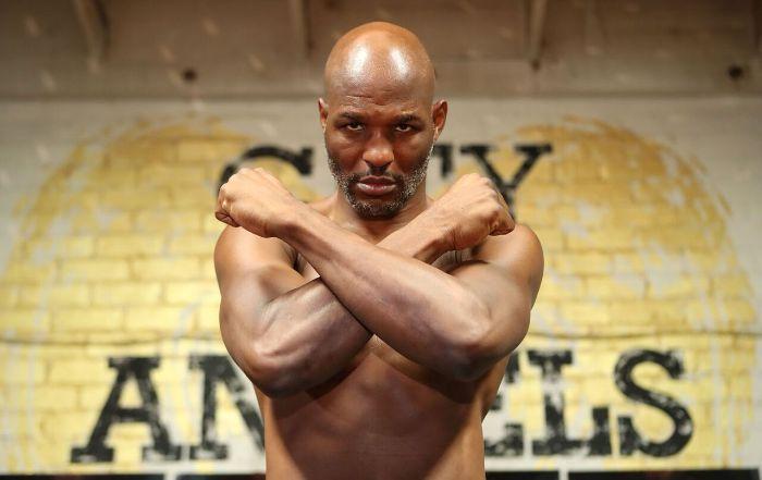 Bernard Hopkins là một trong 8 võ sĩ quyền anh nổi tiếng nhất bởi khả năng thi đấu bất chấp tuổi tác