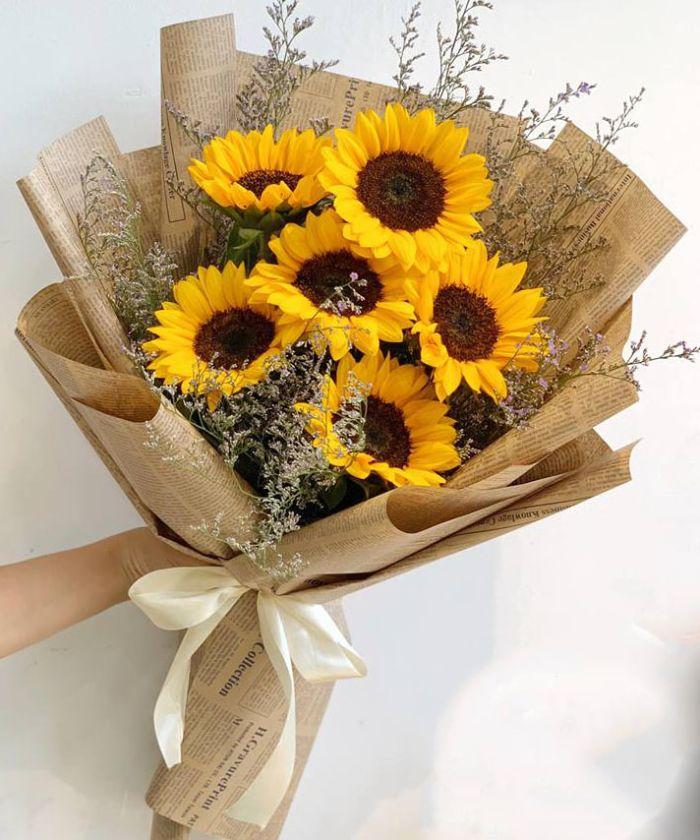 Hoa hướng dương tượng trưng cho may mắn và thành công