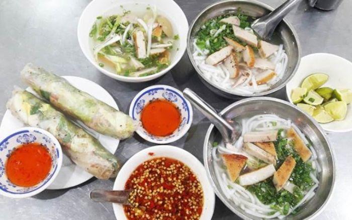Quán ăn bình dân mang đến món ngon cho người dân nơi đây và du khách