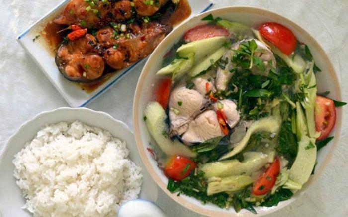 Quán ăn Việt Nam là một trong những quán nổi tiếng ở Nha Trang