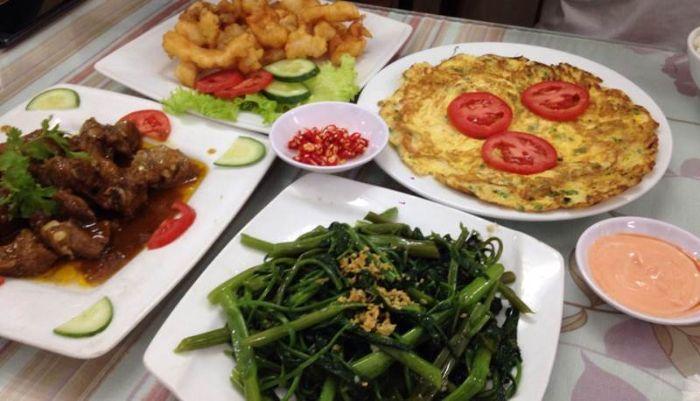 Quán ăn Thanh Tuyền có các món ăn quen thuộc, dân dã