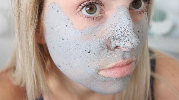 Không nên để mặt nạ quá khô rồi mới rửa.