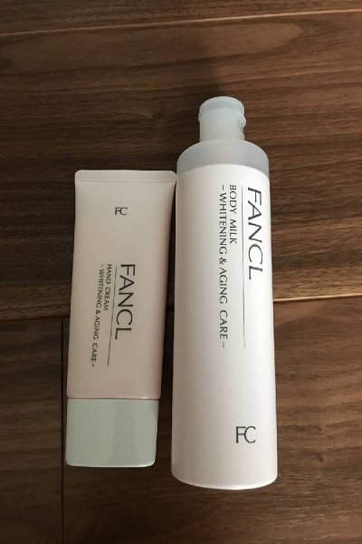 Sữa dưỡng ẩm trắng da Fancl Body Milk – Whitening and aging care được nhiều phụ nữ ưa chuộng