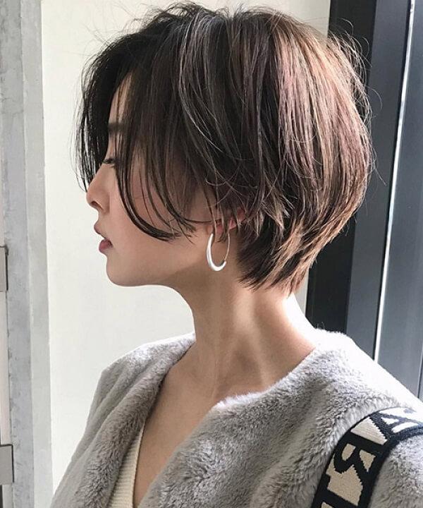 Tóc layer nữ mặt tròn