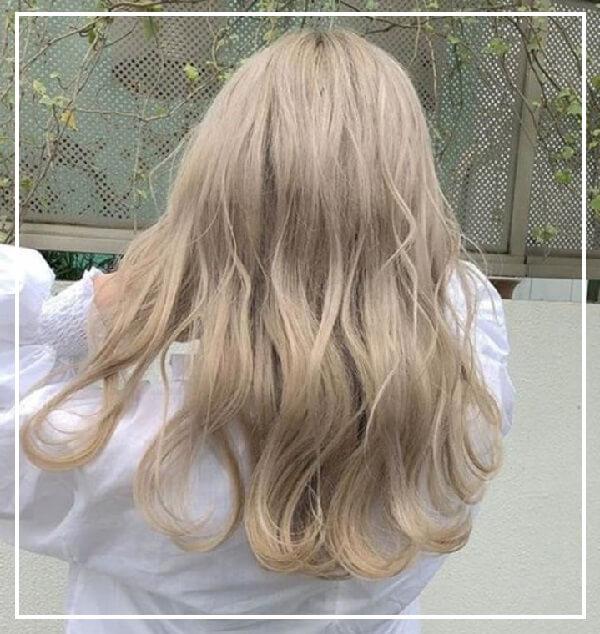 Tóc nữ ngang lưng bạch kim
