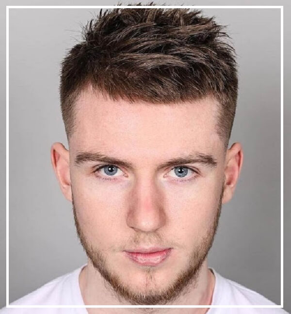 Kiểu tóc nam mặt tròn trán cao