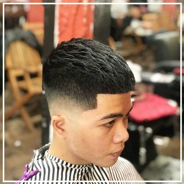 Kiểu tóc mohican cạo ngắn 2 bên