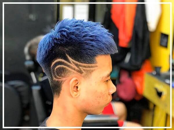 Kiểu tóc mohican nhuộm xanh blue